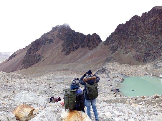 Milluni, Bolivia: Nuestros Clientes satisfechos con el Tour a #Charquini  @Vizcacha Viajera