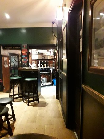 Cosy pub at the Plain roundabout in Oxford