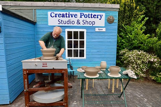 Creative Pottery by Lee Waterman