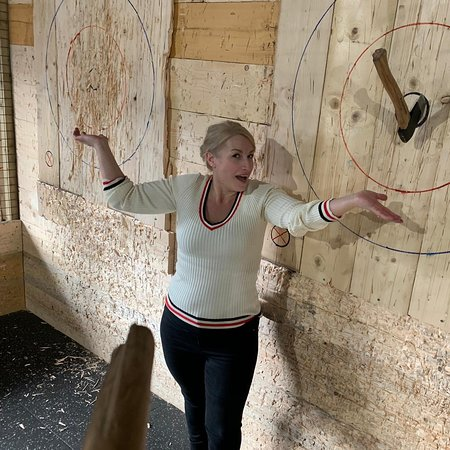 Hatchet Harry's Axe Throwing