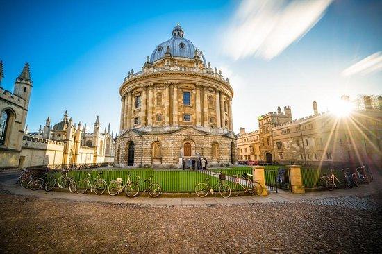Oxford Alumni Tours