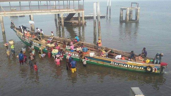 Lungi, Сьерра-Леоне: Fisher boat