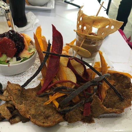 Cadereyta Jimenez, Mexico: Milanesa & Chilaquiles el Jacalito  Restaurante en Cadereyta, la verdad una verdadera sorpresa, todo riquísimo y la ensalada nunca la había probado de esa manera (viene como acompañamiento de la milanesa empalizada) no dejen de probarla.
