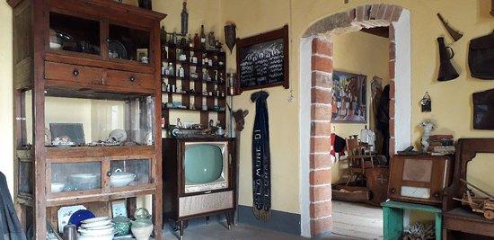 Museo Etnografico Galluras -il museo della femina AGABBADORA-