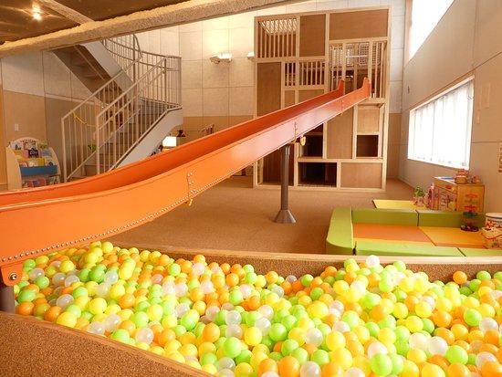 Kashiwa, Japan: チコル☆パークはパークシティ柏の葉キャンパス ザ・ゲートタワーウエスト3階にある屋内型プレイルーム。大きな遊具と知育玩具が充実しているため、頭と体を使って思いっきり楽しめます。屋内なので、外の天気に左右されず、いつでも思い切り遊べます。