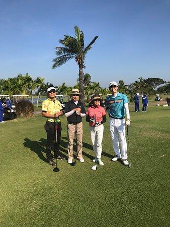 Ban Pho, Таиланд: お客様と4人でGOLF。 その時の一枚です。