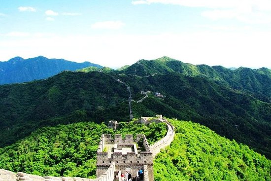 Фотография Full Day Private Tour Of Beijing Including The Great Wall And Acrobatics Show
