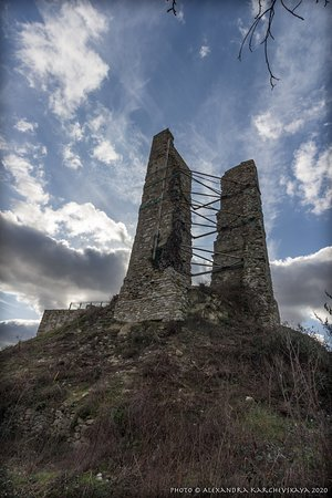 Ruderi del Castello di Lunano