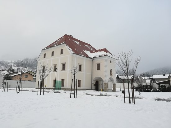 Oplotnica Mansion