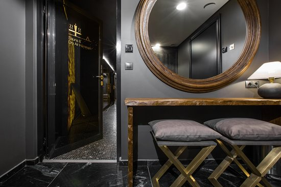 PACAI SPA: changing room