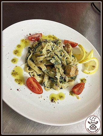 Արիշտա սնկով և հավի մսով (սունկ,պարմեզան,սերուցք,հավի միս)  Аришта с грибами и курицей ( пармезан,грибы,сливки,курица)  Arishta (fresh pasta)  (with meat, chicken, mushrooms, cream and parmesan)