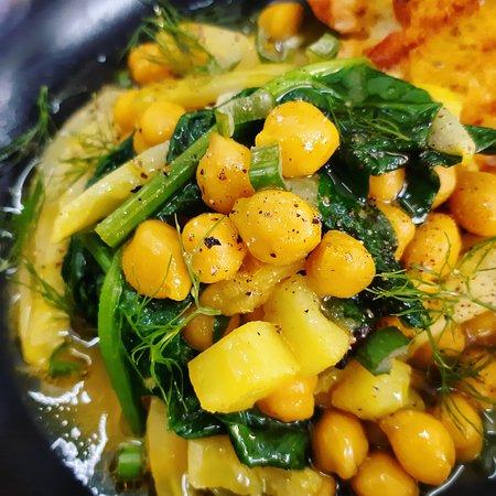 Zuppa di ceci, finocchio e spinaci
