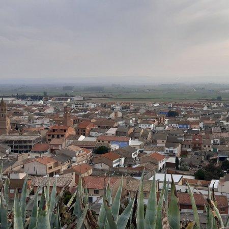 Alfajarin, Spanien: Vista de Alfajarín desde el castillo