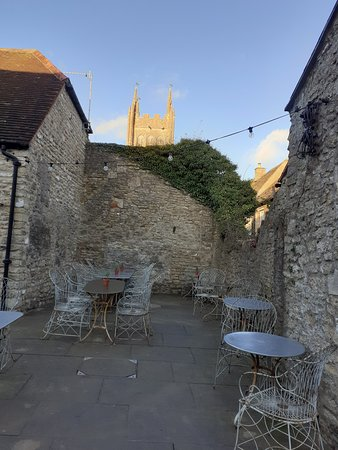 Mells, UK: Courtyard good for alfresco dining and drinking