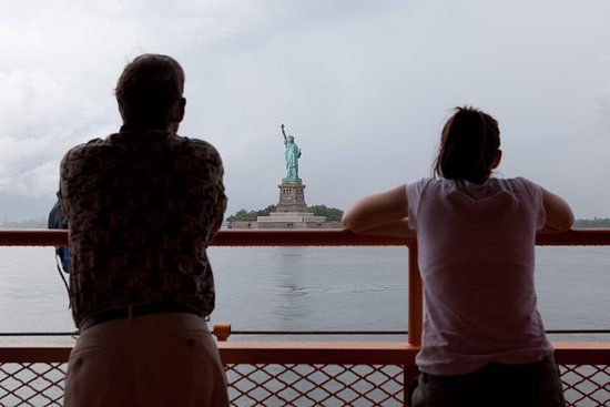 Statue of Liberty Boat and Walking Tour with Private Guide – fotografia