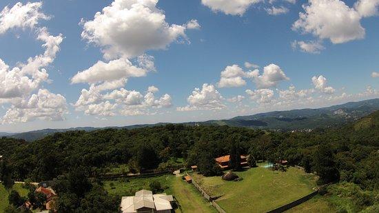 Experiência única, estamos localizados no Pico do olhoD'agua, a 1.130 metros de altitude.