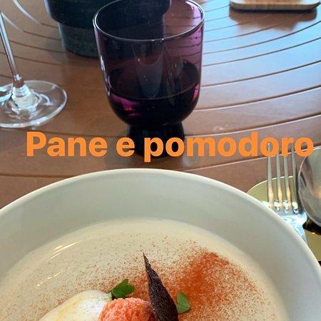 Un percorso culinario innovativo,ricercato e di ottima qualità che bisogna assolutamente provare!Ogni piatto è un'opera d'arte!!!Farsi sempre consigliare dalla chef Cinzia!Complimenti👏🏻
