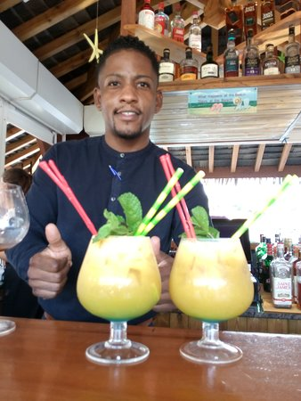 Le Barik Bar et Kévin. Ses cocktails sont vraiment très bons.