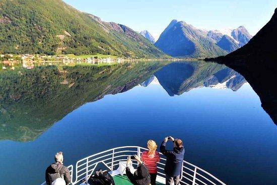 Fjord & Glacier Tour – BERGEN