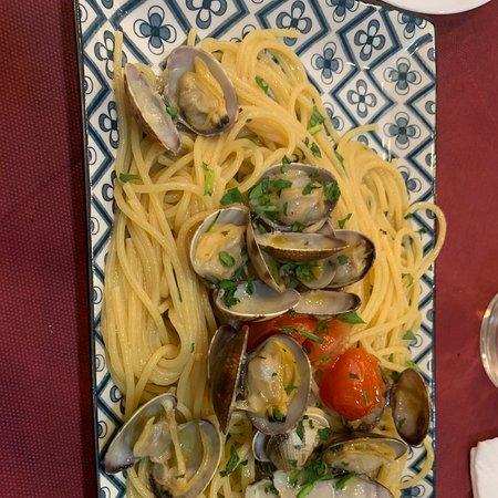 Un petit restaurant typique de Naples, très bon rapport qualité/prix