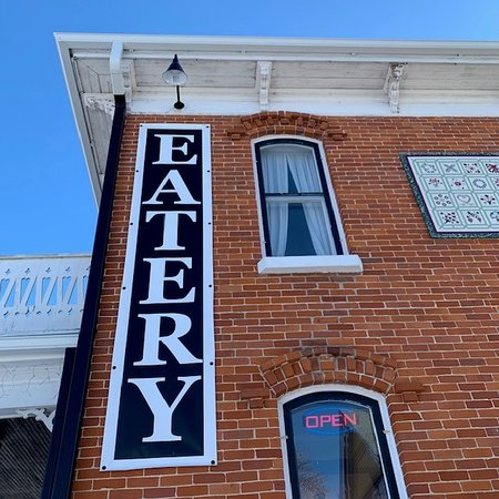 Lindstrom, MN: Gustaf's Eatery, a cafe with great food, drink, atmosphere, and history!