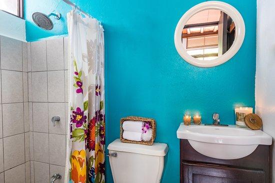 Comfort Room Shared Bathroom
