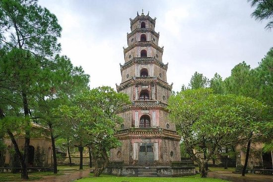 One-way Private Transfer between Hue and Hoi An or Da Nang – fotografija