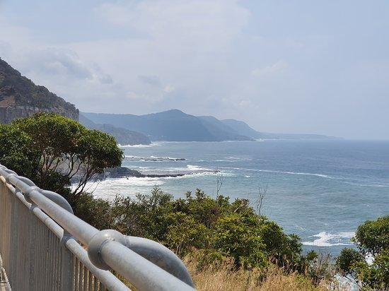 Coalcliff, Австралия: Sea Cliff bridge