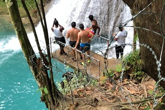 Private and Customize Tour to Ocho Rios...