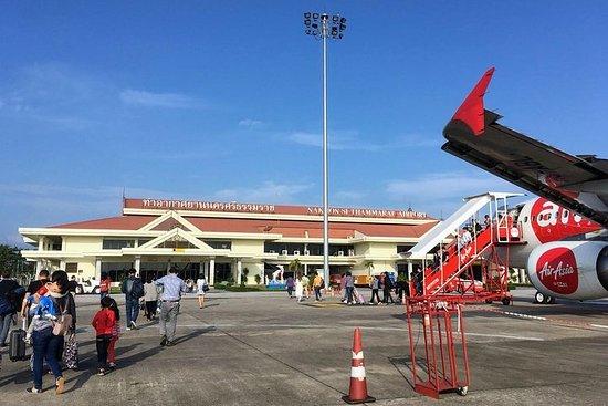 Nakhon Si Thammarat flyplass til Koh Samui ved Minivan og Lomprayah...