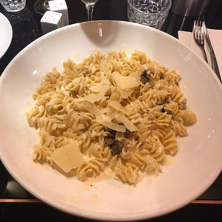 Spécialités italiennes dans un restaurant chic