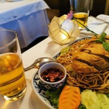 Pera Thai: Kırmızı körili fırınlanmış ördek.