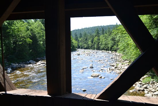 Albany, Нью-Гэмпшир: Vue over Swift River