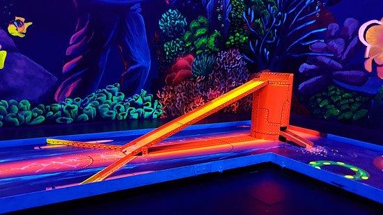 Blacklight Arena 3D Schwarzlicht Minigolf in Senden bei