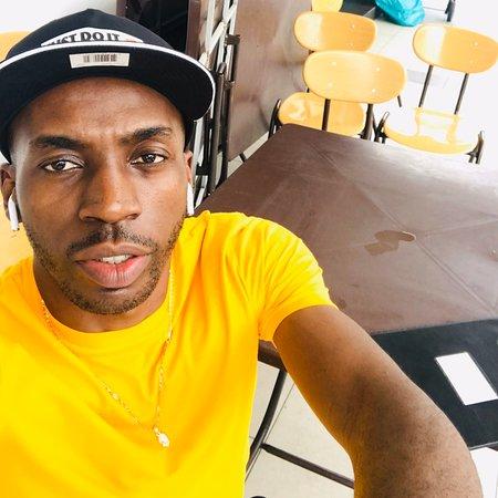 Bandar Saujana Putra, Малайзия: I'm Pío Alejandro Ondó, I'm from Equatorial Guinea... I am staying in Jenjarom (Malaysia) and I study in Mahsa University!!!