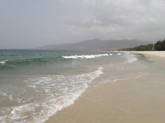 Tokeh, เซียร์ราลีโอน: Beach