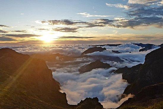 Pico Do Arieiroでの日の出とPico Ruivoへのハイキング…