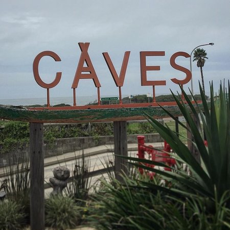 #midweek adventure @cavescoastal #justforfun  No swimming today but that #jalapeno & #corn salad was outstanding!  Apparently the #fandc wasn't too shaby also   . . . . #cavesbeach #cavesbeachhotel #eastcoast #cloudysky #summerclouds #summer2020 #theresnoplacelikehome #lakemac #lakemacquarie #newcastle #mynewcastle #nsw #tourismnsw  #livingnotexisting #livefully #lovemylife #traveltheworld #neverstoptravelling #australiangirl #alwaysintransit