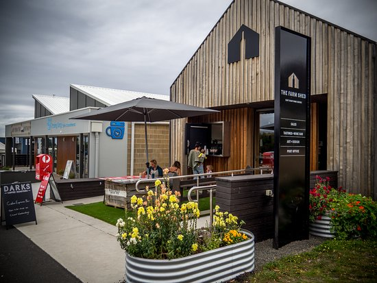 The morning coffee options in Bicheno have been boosted with the arrival of Gather Tasmania, serving coffee through the window at The Farm Shed East Coast Wine Centre from 6.30-10am every morning except Tuesday.
