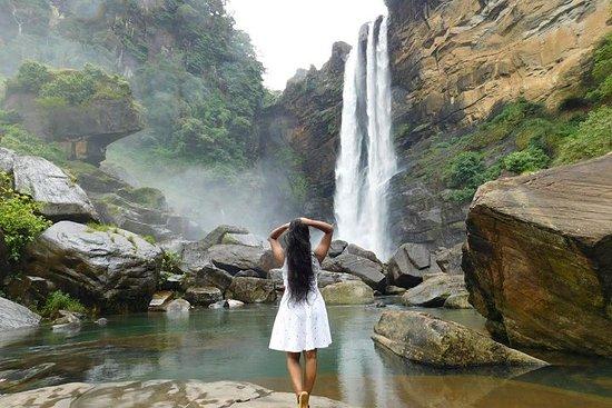 Visit beautiful Laxapana Falls & White...