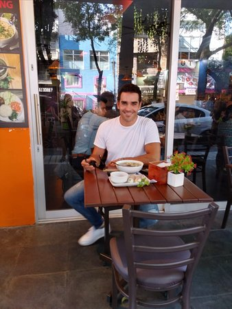 Mexican actor @marcusornellas  having pho 🍲at pho king la condesa