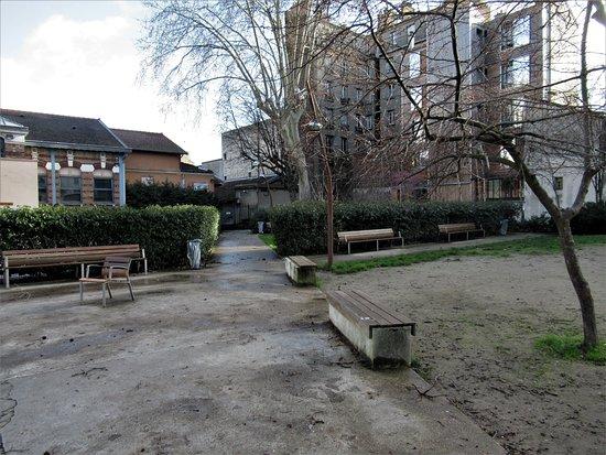 Square Lapérouse