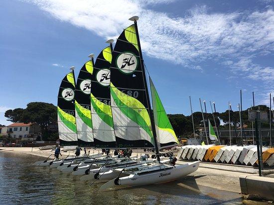 Yacht Club Six Fours