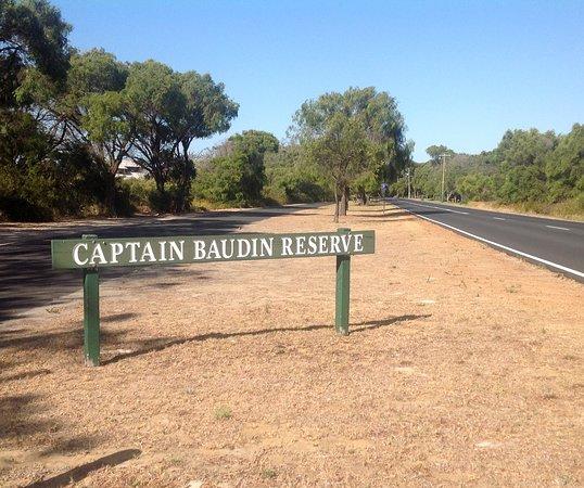 Roadside parking area for Captain Baudin Reserve at Wonnerup Beach, Busselton