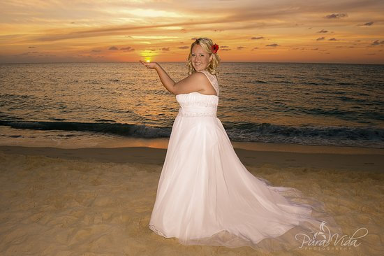 Wedding Photographer - Grand Cayman
