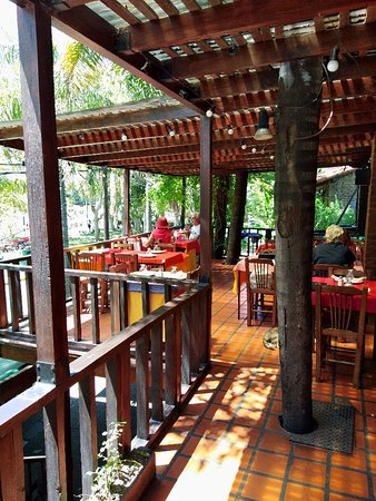 """Restaurante """"La Terraza"""" (Tigre)."""
