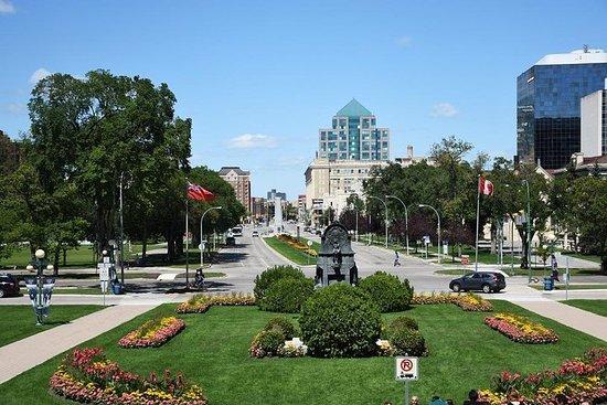 Wacky Let's Roam Winnipeg Scavenger Hunt: At The Heart of Canada!