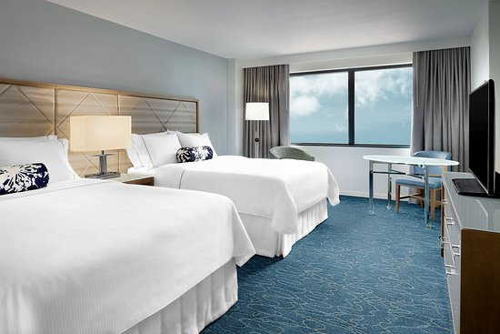 Walt Disney World Swan: Guest room