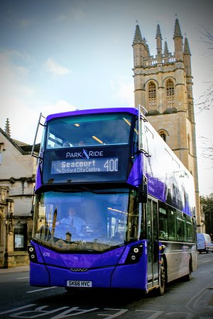 Park and ride bus on Magdalen Bridge.