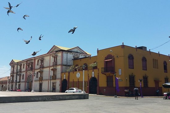 Private: León City Walking Tour from...